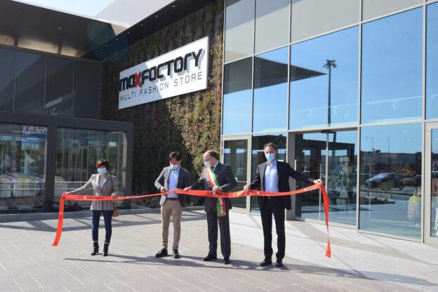 MaxFactory apre il nuovo punto vendita di Asti