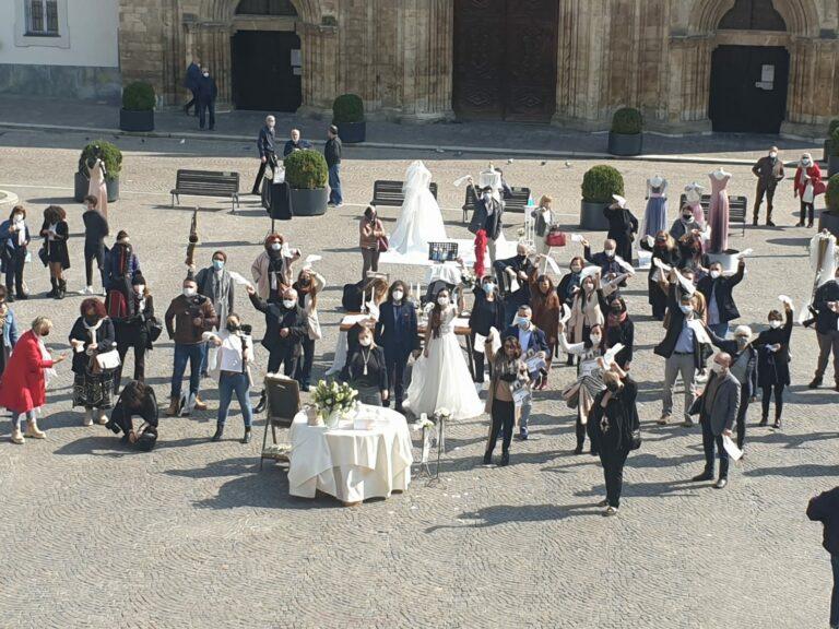 Asti, protestano i lavoratori del comparto matrimoni