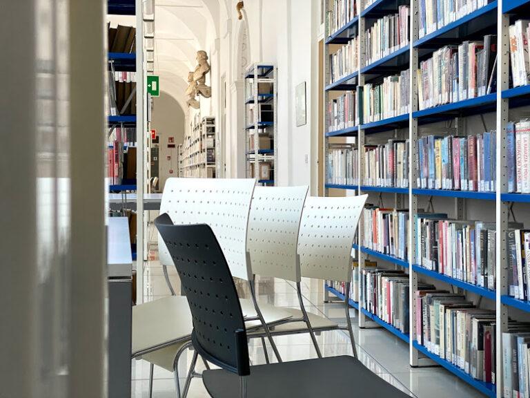 Alla Biblioteca Astense restano attivi il prestito sulla soglia e il servizio a domicilio per gli utenti fragilI