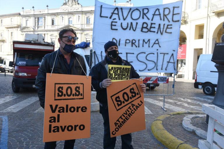 Protesta di ambulanti e commercianti ad Asti: la fotogallery