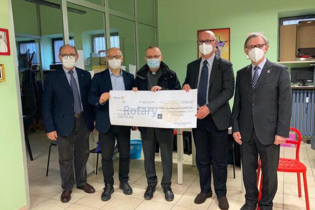 Il Rotary Club di Asti vicino all'emporio solidale Caritas