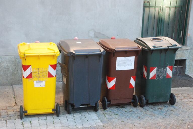 Asti, verifica e manutenzione dei contenitori per la raccolta porta a porta dei rifiuti dell'Asp