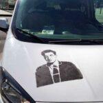 Cesare Pavese compare sui taxi torinesi