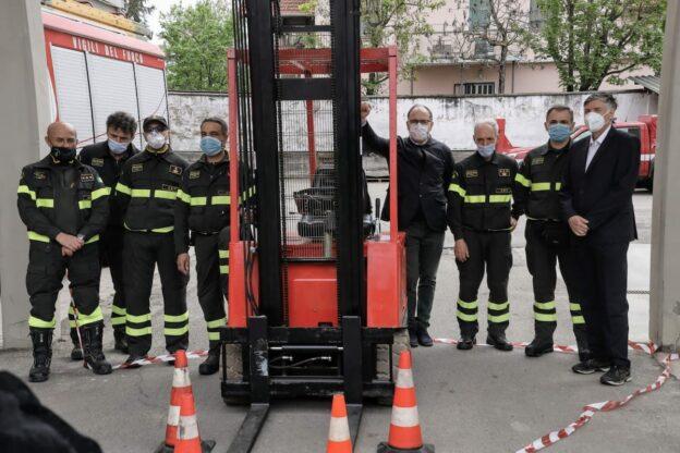 Ai vigili del fuoco un carello elevatore dalla Fondazione Cassa di Risparmio di Asti