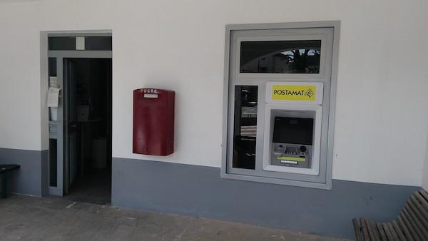 Nuovo sportello automatico ATM Postamat nell'ufficio postale di Montaldo Scarampi,