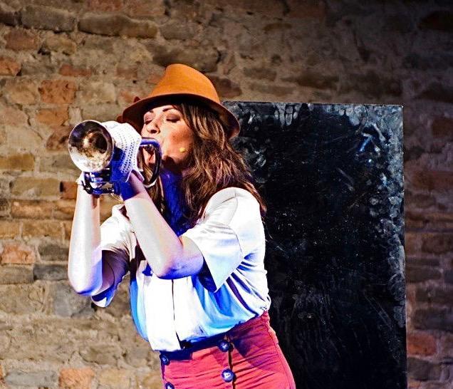 """Domenica 23 maggio Chiara Buratti torna in scena a Gassino con """"Quattro donne"""""""