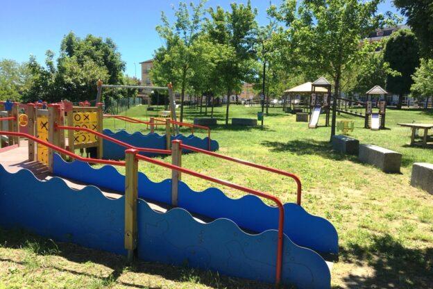 A Villafranca i bambini tornano a giocare al Parco Valentino