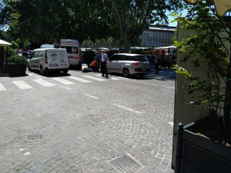 Asti, pedone investito in piazza Alfieri