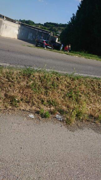 Asti, auto contro bici nella zona del cimitero