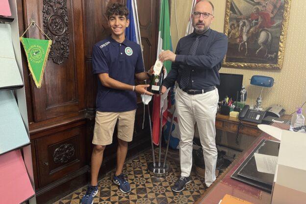 Asti, l'atleta Simone Dezani ricevuto in Municipio
