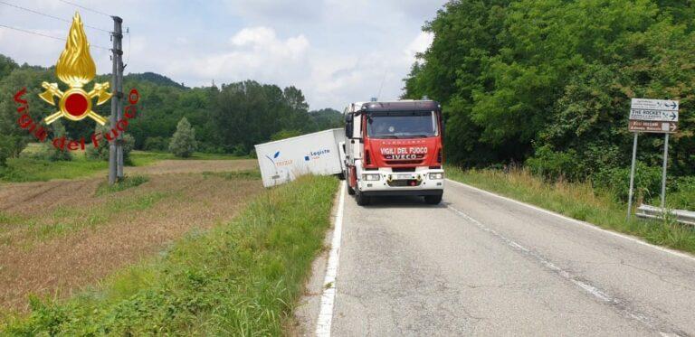 Camion fuori strada a passerano Marmorito