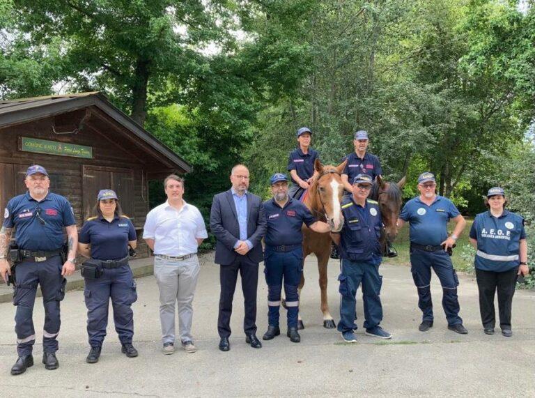 Con l'Associazione Nazionale Carabinieri presidio a cavallo delle aree verdi di Asti