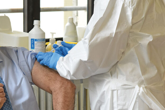 Piemonte: 879.000 le persone che non hanno ancora aderito alla campagna vaccinale