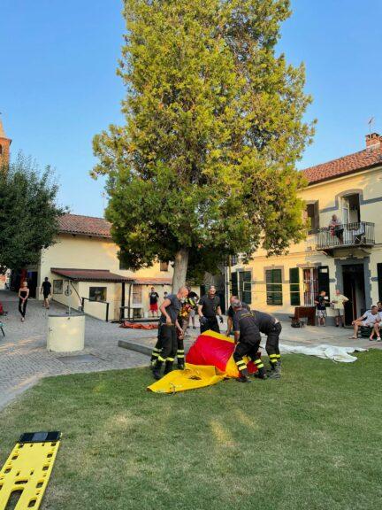 Minaccia di gettarsi da un albero per protesta: vigili del fuoco intervengono a Vaglierano