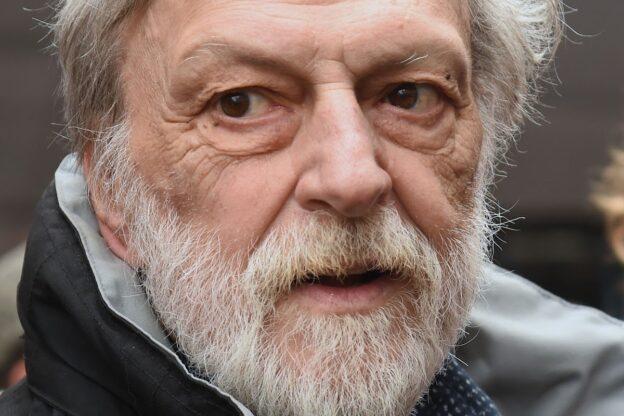 Asti, un presidio in memoria di Gino Strada