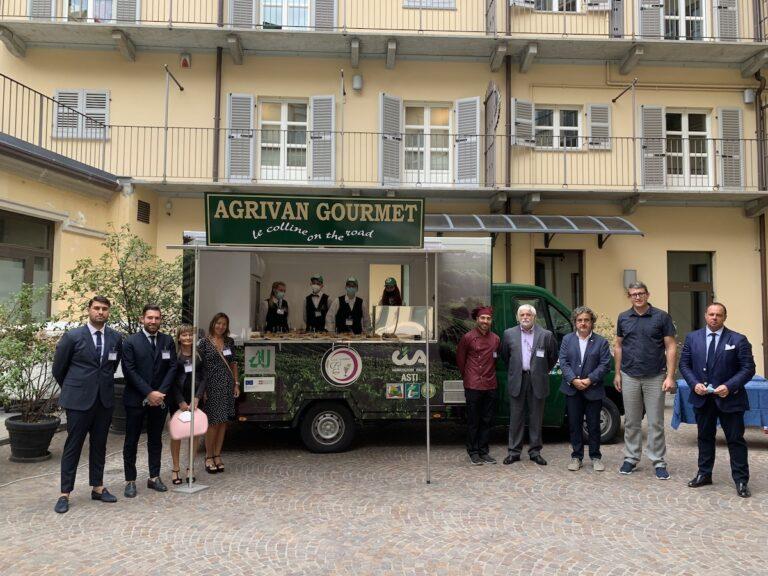 L'Agrivan Gourmet  della Cia è in piazza Roma con il Consorzio dell'Asti e del Moscato d'Asti