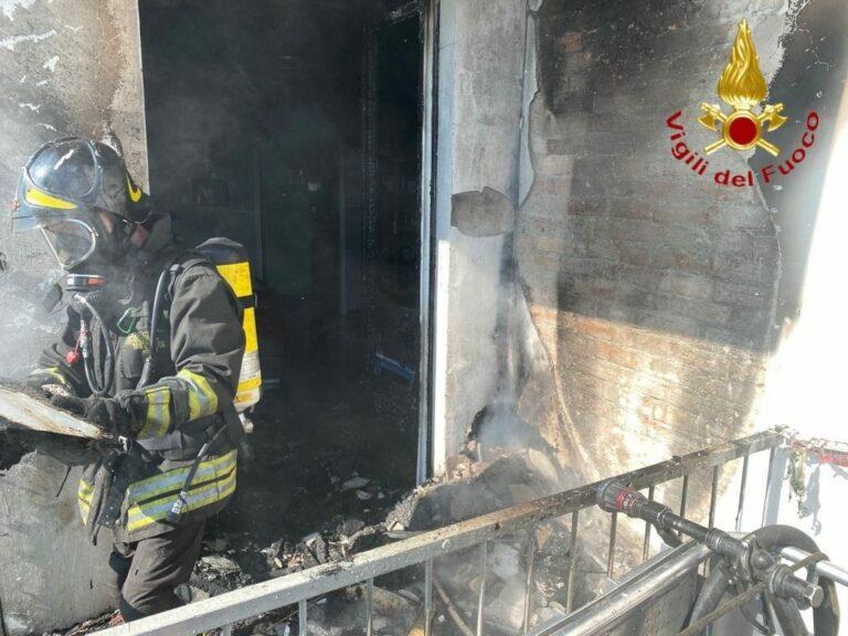 Incendio in una palazzina a Nizza Monferrato