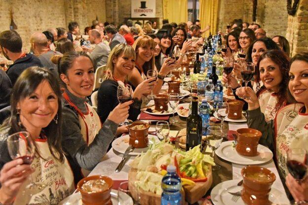 Asti, già aperte le prenotazioni per i due weekend del Bagna Cauda Day